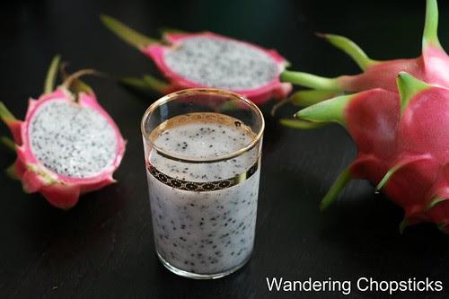 Sinh To Thanh Long (Vietnamese Dragon Fruit Shake) 1