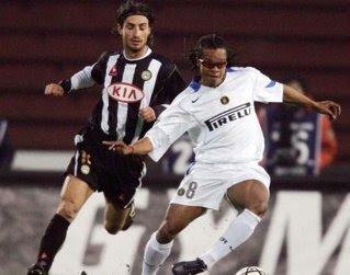 Dino Fava (în dungi), pe vremea marilor meciuri din Serie A
