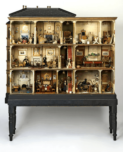 Miss Miles Dolls House | Dollhouse Decorating