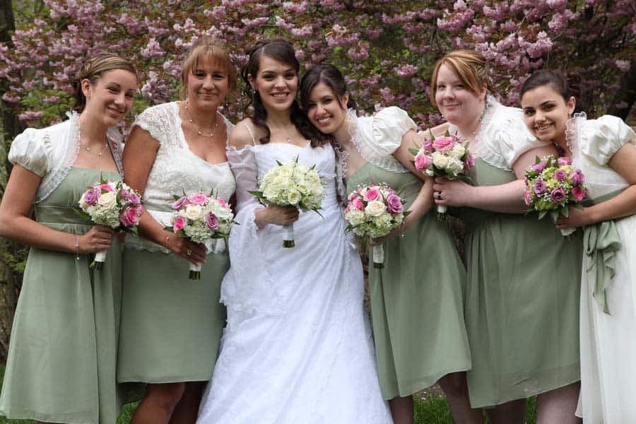 frugal wedding flowers