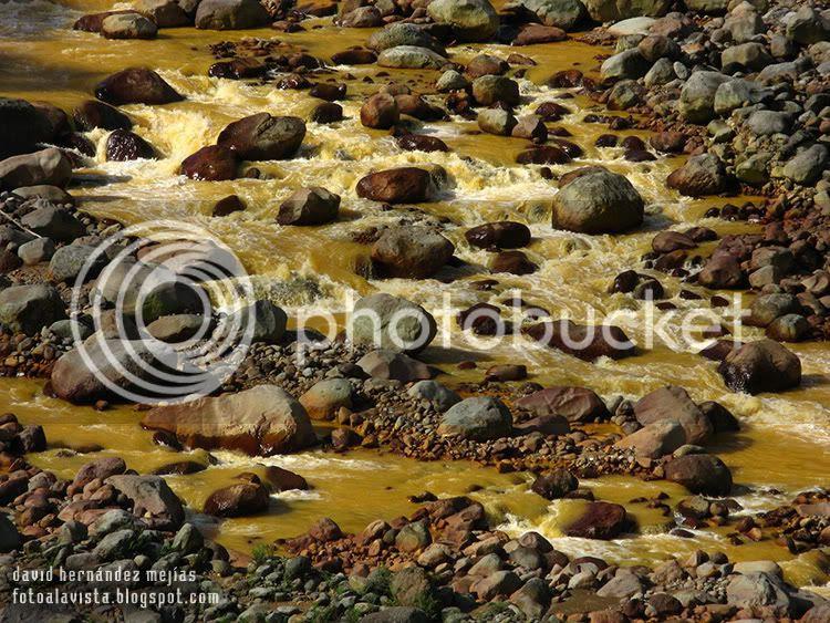 Detalle del RíoSucio de Costa Rica, en el Parque Natural próximo a San José