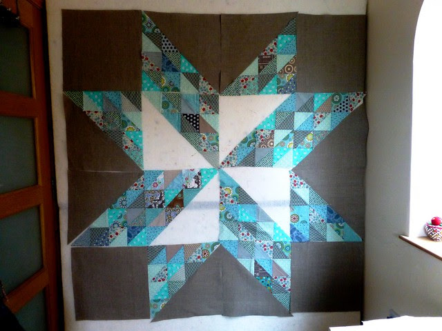 Brit Bee '13 star wallhanging 002