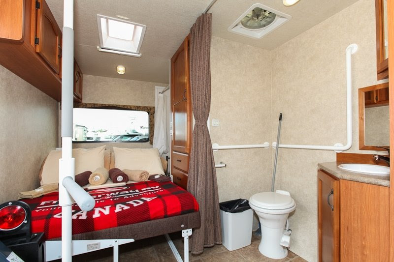 Fraserway 27ft Motorhome Wheelchair Accessible 5 Berth