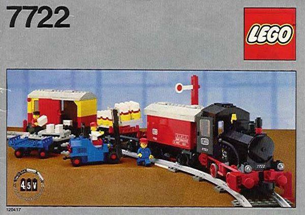 A classic LEGO® train set: Cool.