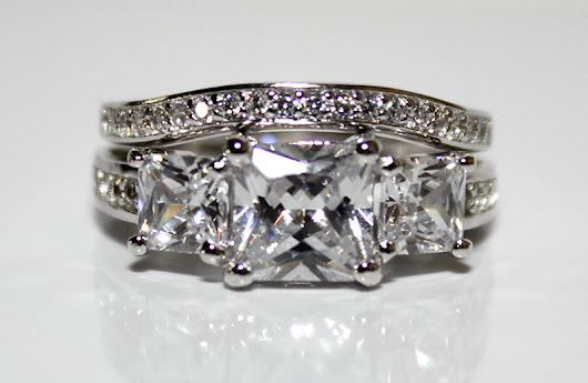 Gorgeous 925 Sterling Silver Women's Wedding & Engagement Set CZ Ring