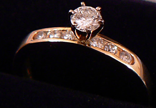 weddingringset Real diamonds are an excellent investment for couples to
