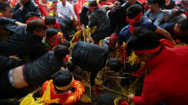Lễ hội đền Gióng, Sóc Sơn, Hà Nội. Ảnh: Lê Hiếu/Zing.cn