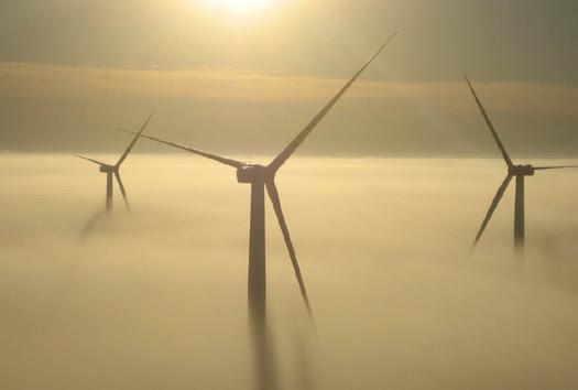 Missouri's first utility-scale windfarm at King City             Photo credit: John Deere Wind Energy