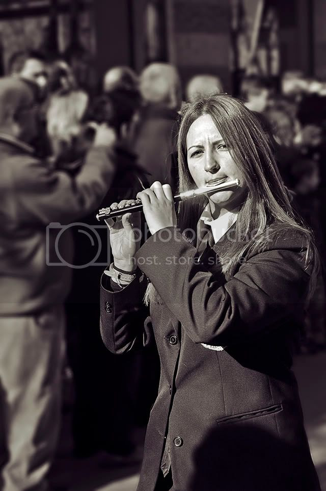 Flute Player in BW, Tres Tombs Parade, Barcelona [enlarge]