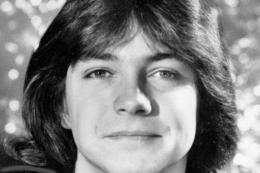 Former teen heartthrob David Cassidy reveals dementia, quits touring