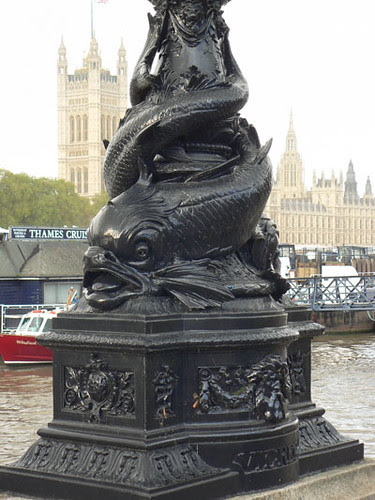 poisson lambeth bridge.jpg