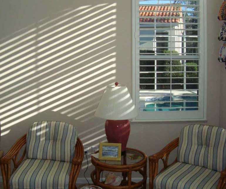 Plantation Shutters Curtains Or Window Blinds A New Look