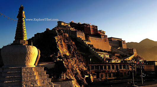 Travel Tibet and explore the mystical Potala palace in Lhasa