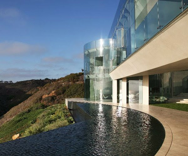 The Razor Residence: A Breathtaking Luxury House of the Ironman ...