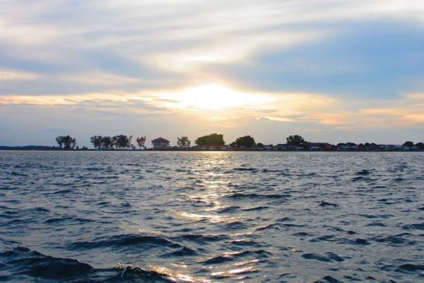 Pemandangan sore dari Nusa Keramba