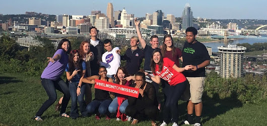 Belmont Students Take the 'Plunge,' Spend Fall Break Serving