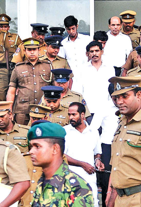 The convicts taken to prison. Pictures by Sulochana Gamage