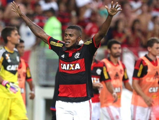 Marcelo Cirino comemora gol do Flamengo contra o Boavista (Foto: Márcio Alves / Agência O globo)