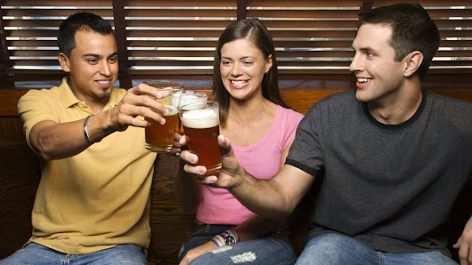 Glass of beer 'makes people more sociable' - BBC News