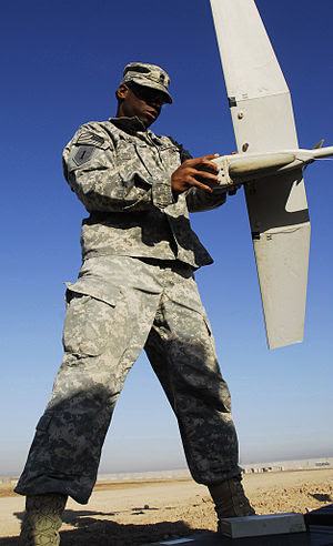 FORWARD OPERATING BASE FALCON, Iraq ñ Sgt. 1st...