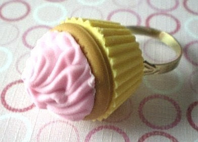 Cupcake Couture Ring