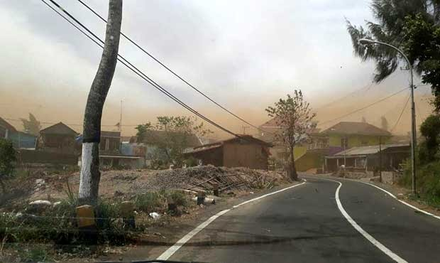 Bencana Angin Kencang Sapu Sumber Brantas Cangar