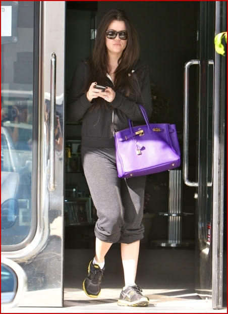 Khloe Kardashian paid a visit to XIV Karats LTD jewelry store in West