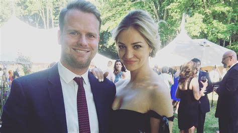 Abby Elliott Dishes on Her Upcoming Wedding!   Martha