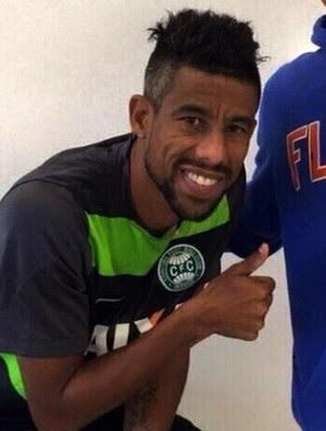 Léo Moura camisa Coritiba (Foto: Reprodução SporTV)
