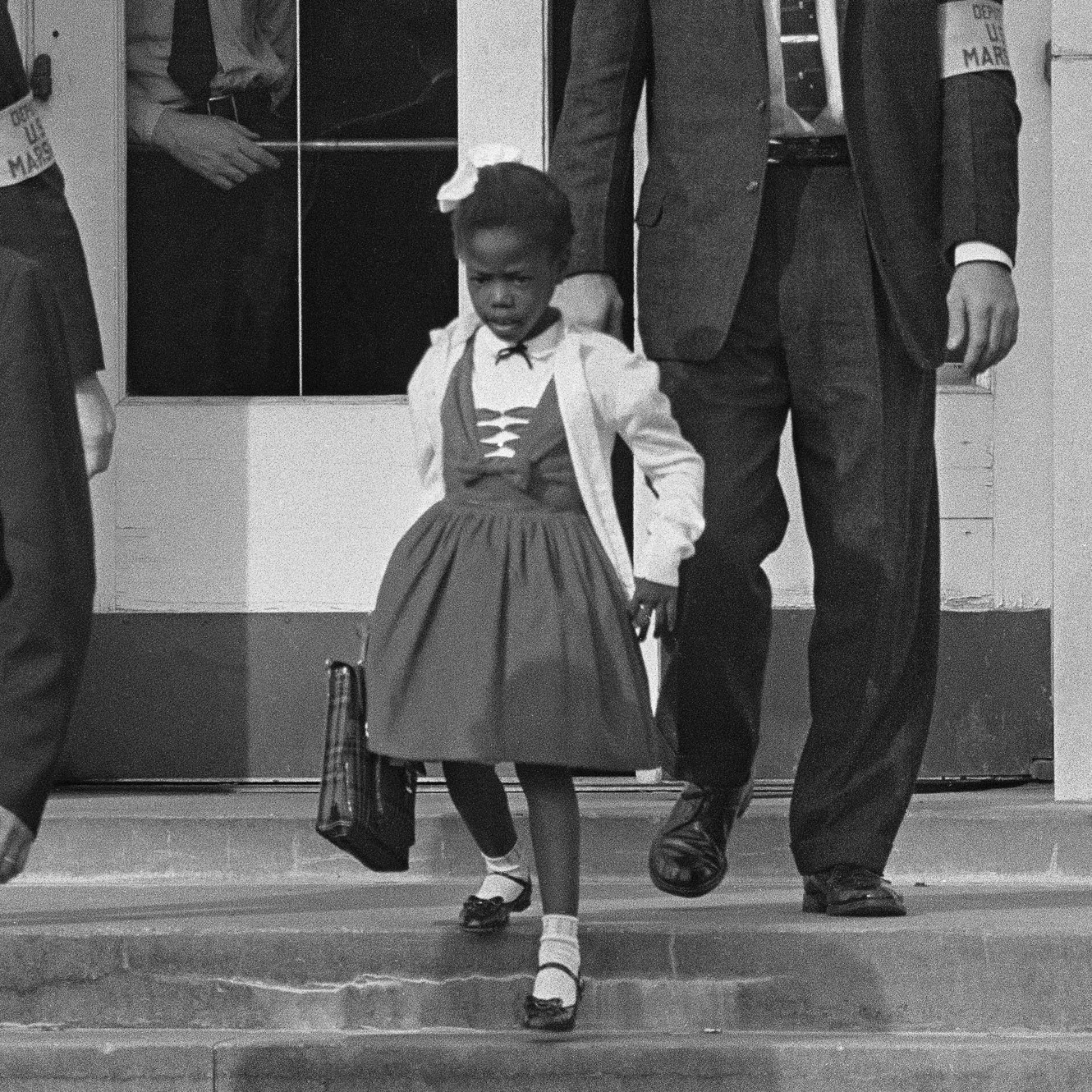 ruby bridges research Ruby bridges lesson plan name: emily freese grade level of lesson: 2nd grade subject/concept: social studies/ruby bridges duration of lesson: 1 hour objective (s): tswbat explain how ruby bridges fight for equality affects us today aeb writing.