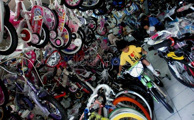 Liburan, Toko Sepeda Diserbu