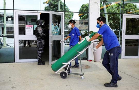 Com hospitais cheios, Manaus enfrenta uma crise no abastecimento de oxigênio | Foto: Bruno Kelly/Reuters