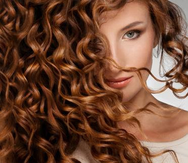 Haarfarbe Und Kleidungsfarbe Tipps Für Ein Stimmiges äußeres