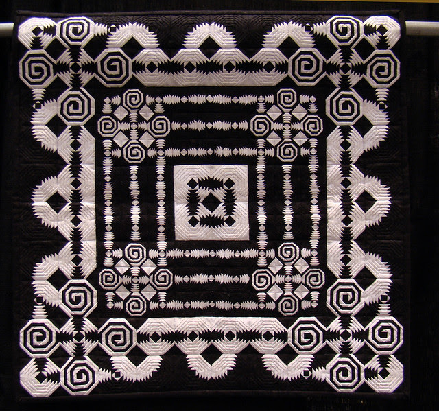 DSC06997 Crazy in Black and White