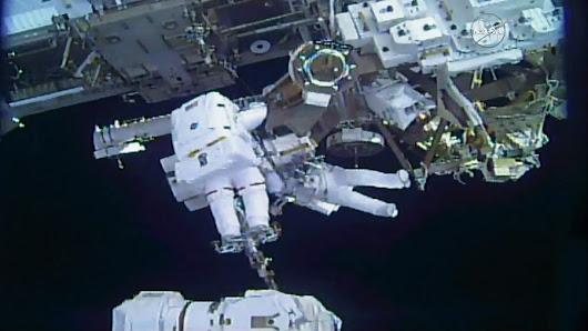 Spacewalkers Wrap Up Robotic Hand Transfers – Space Station