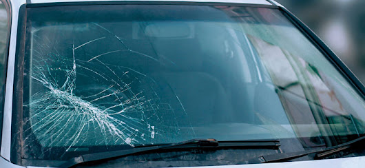What to Do if Someone Breaks Your Car Window: 5 Steps