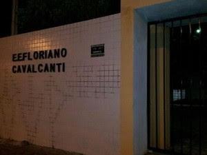 Escola Estadual Floriano Cavalcante fica no conjunto Mirassol, na zona Sul de Natal (Foto: Sérgio Costa/PortalBO)