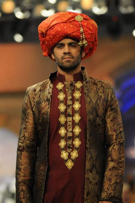 pakistani men traditional clothing   wear