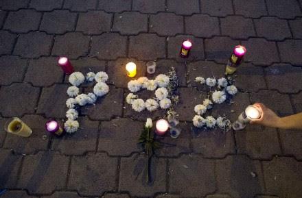Una ofrenda dedicada a los normalistas desaparecidos en Iguala, Guerrero. Foto: AP / Rebecca Blackwell