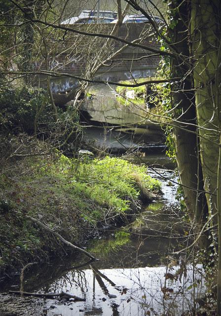 Tolworth Court Bridge - near Tolworth