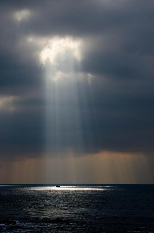 vurtual:  Guiding Light (by Bob Small)  A ray of light in a dark world.