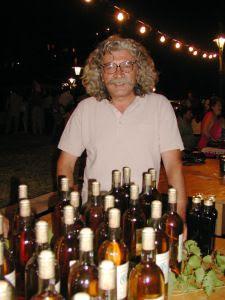 Αναβιώνει ο Πεπαρήθιος οίνος
