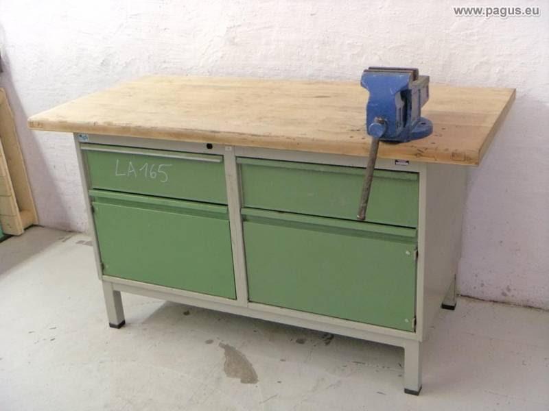 Werkbank mit Schraubstock und Werkzeugschrank - gebrauchte ...