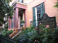 A classic haunted house in Savannah