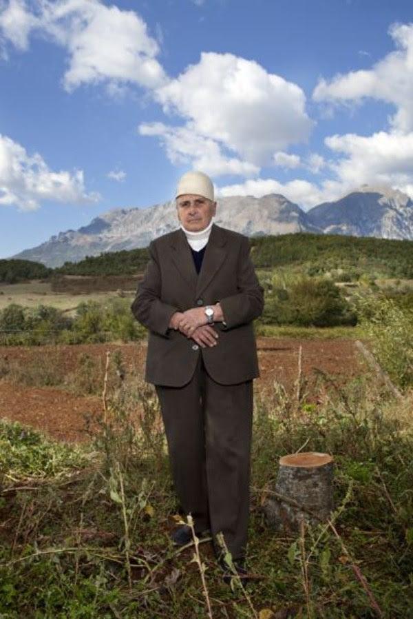 1022 Αλβανοί Ορκωτών Παρθένες (12 φωτογραφίες)
