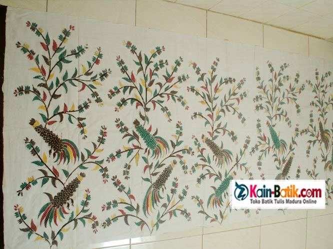 Batik Sarimbit Putih Flora Fauna Kain Batik Murah