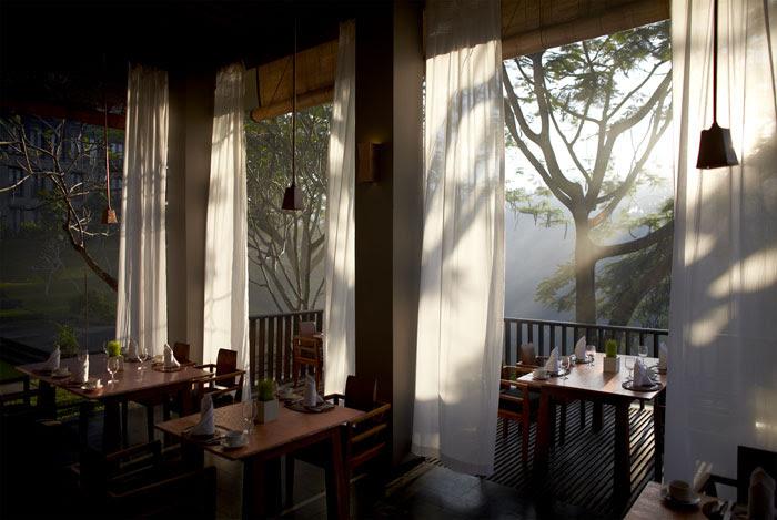 maya ubud main villa dining
