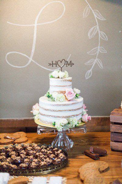 25  cute Wedding cake fresh flowers ideas on Pinterest