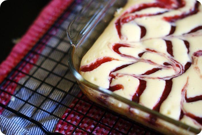 raspberry swirl cheesecake bars with oreo cookie crust | bake at 350