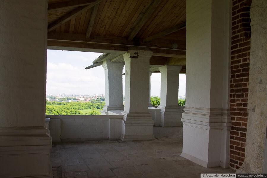 Галерея-гульбище вокруг храма Вознесения Господня в Коломенском